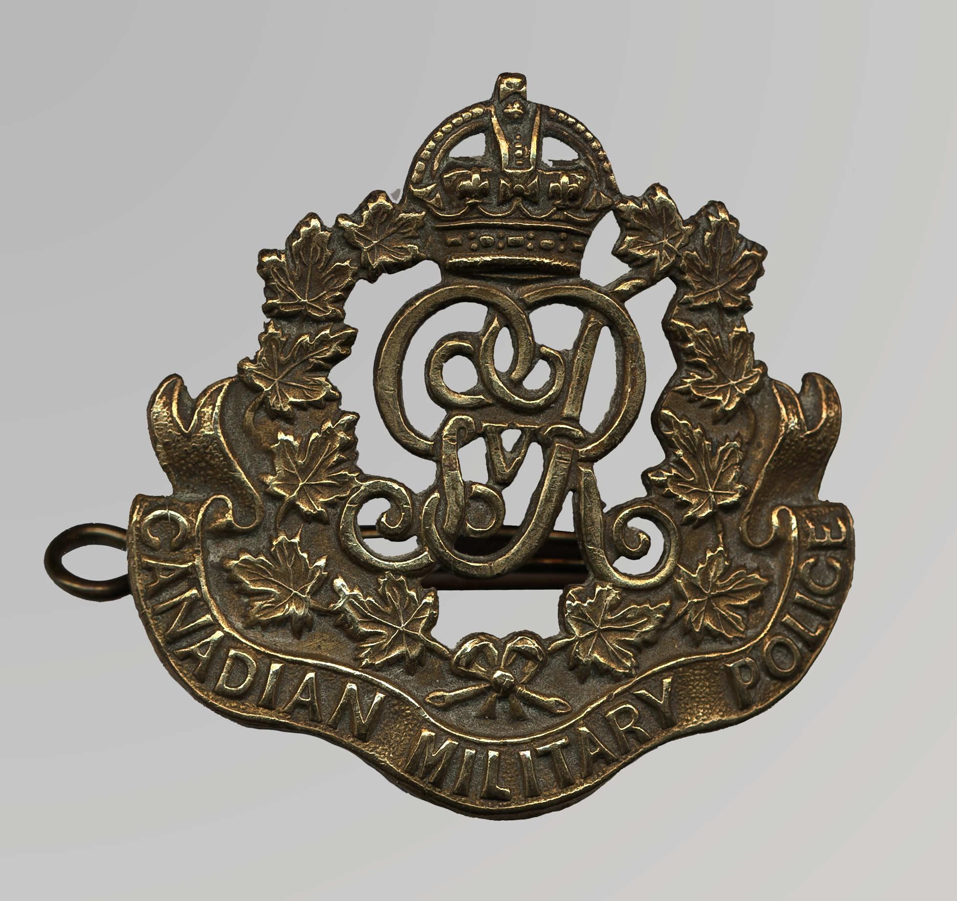 Insigne de casquette de la police militaire