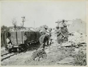 Utilisation de ruines pour construire des voies ferrées