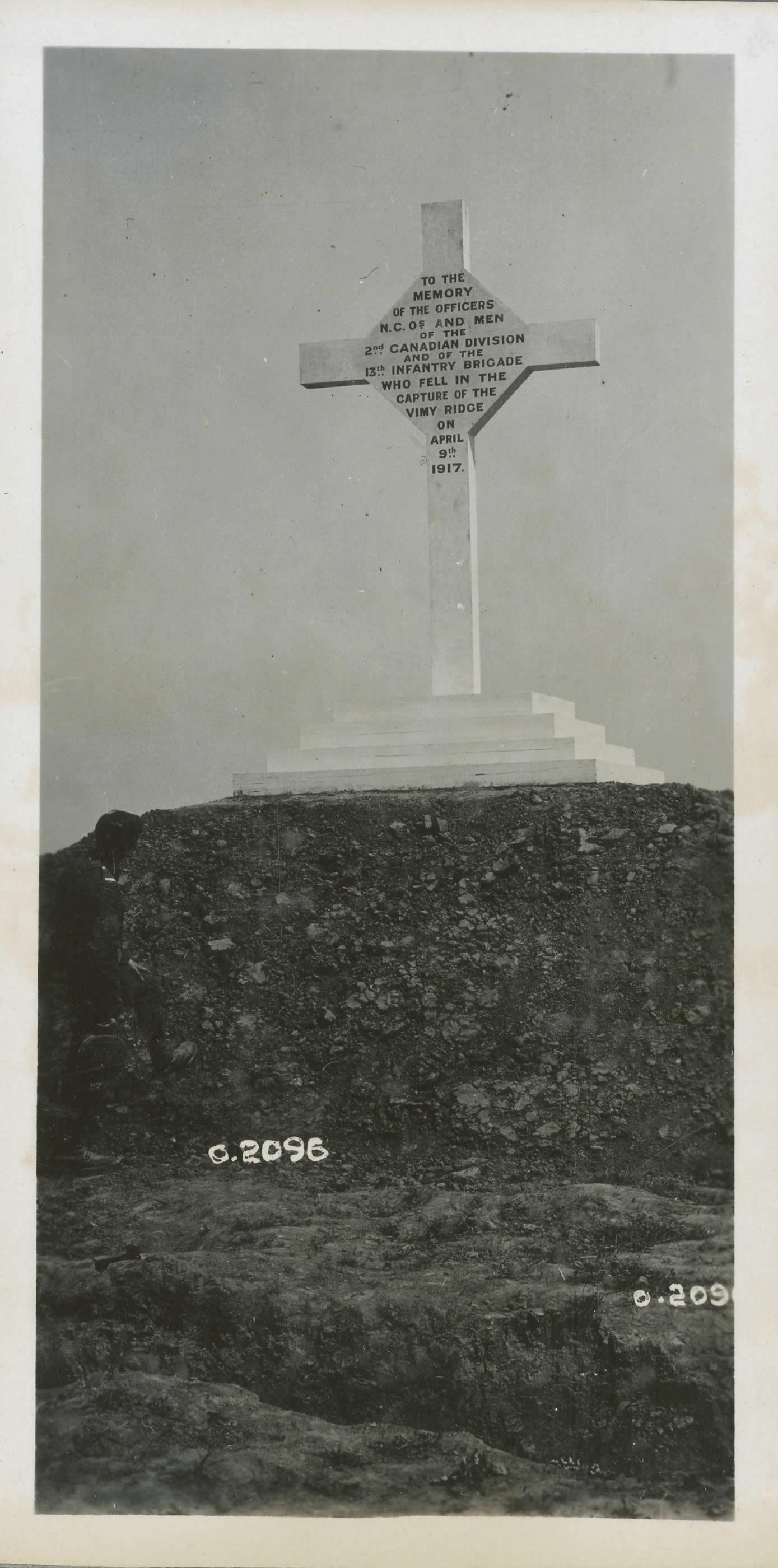 Premier monument commémoratif
