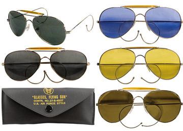 Aviator Air Force style songlasses with case:: Lunettes de soleil de style Air Force avec