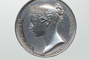 Médaille militaire de service général de 1793-1814 avec barrette (Crysler's Farm) de Joseph Plamondon, de la milice canadienne