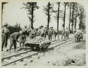 Construction d'une voie de chemin de fer léger