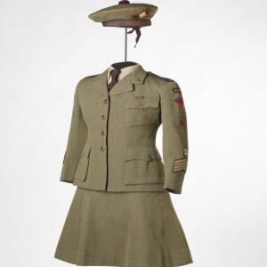 Uniforme de la cornemuse-major Lillian Grant